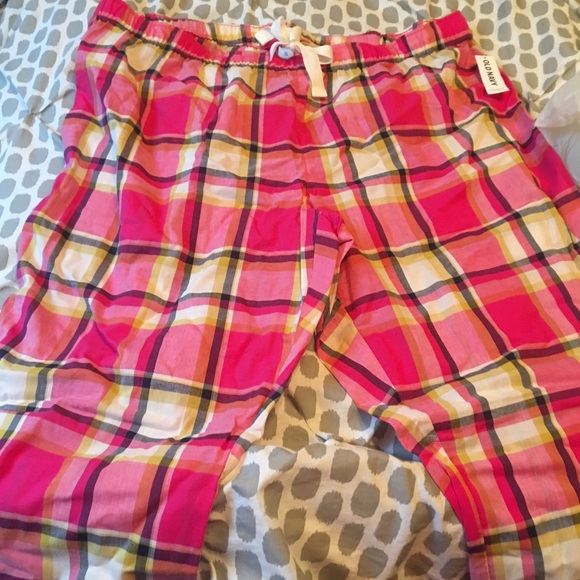 f9d8d06d65a6 Old navy pink and yellow plaid pajamas pants
